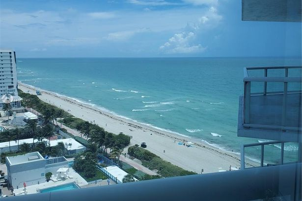 6515 Collins Ave #1501