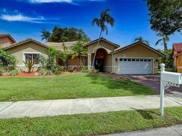 1320 SW 104th Ave, Pembroke Pines, FL, 33025,