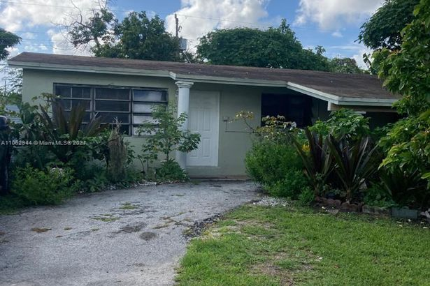 6100 NW 43rd Ave