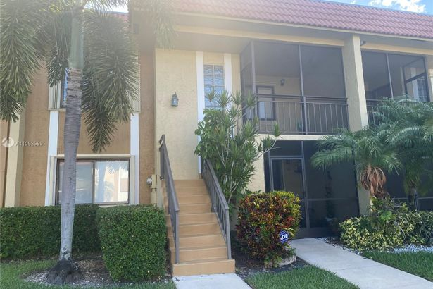 321 Lakeview drive #202