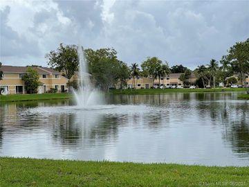 300 W Palm Cir W #105, Pembroke Pines, FL, 33025,