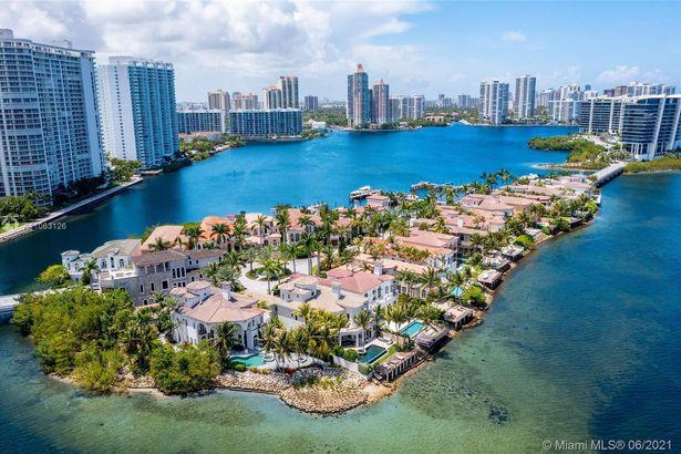 3916 Island Estates Dr