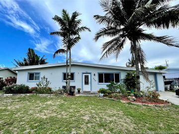 209 Russell Dr, Palm Springs, FL, 33461,