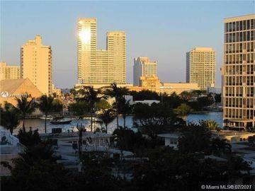 6900 Bay Dr #5G, Miami Beach, FL, 33141,