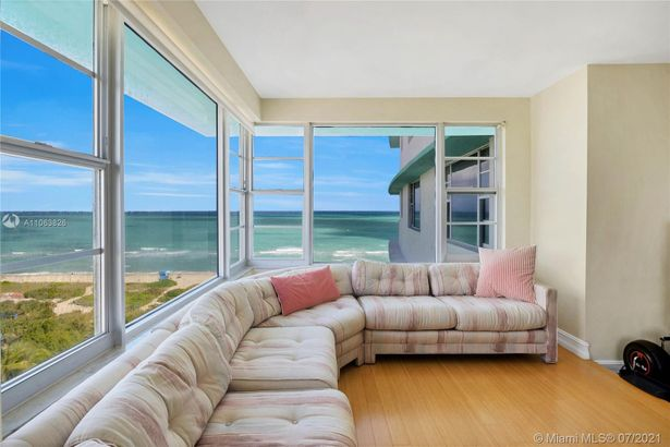 5255 Collins Ave #9F