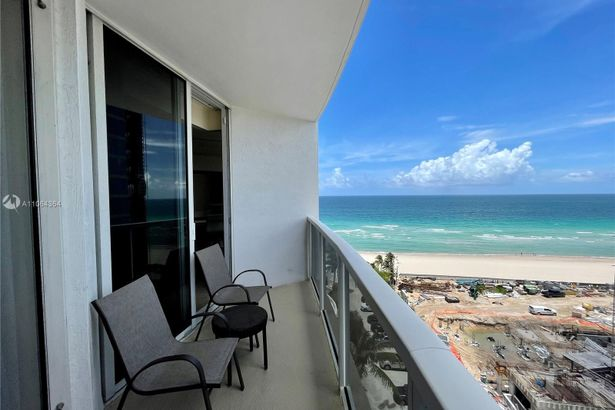 18001 Collins Ave #814-815
