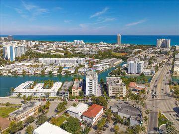 7133 Bay Dr #501, Miami Beach, FL, 33141,