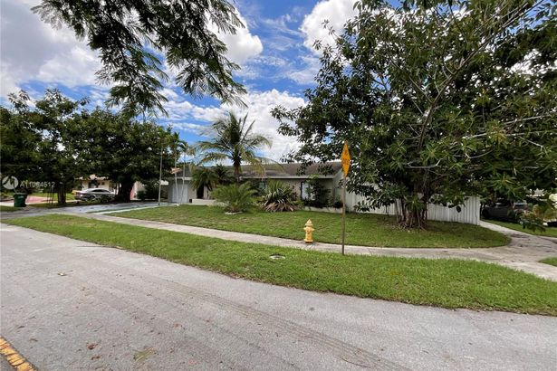 19954 NW 60th Ct