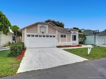 1316 E Glen Oak Rd, North Lauderdale, FL, 33068,