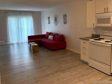 677 SW 9th Ave #303, Miami, FL, 33130,