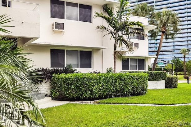 10190 Collins Ave #106