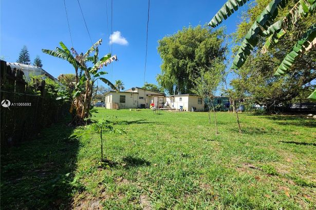 27 Miami Gardens Rd