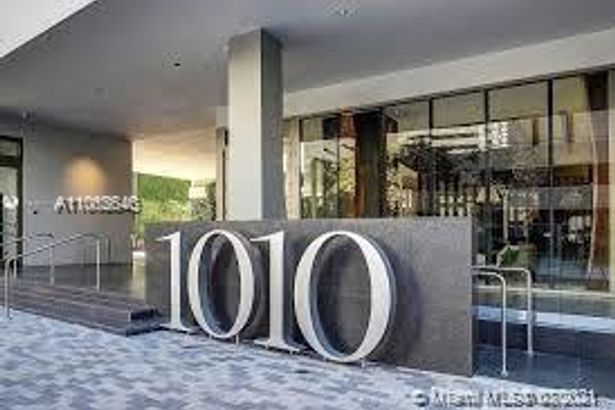 1010 BRICKELL AVE #3006