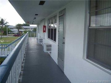 18 Windsor A #18, West Palm Beach, FL, 33417,