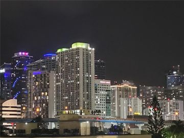 501 SW 1st St #607, Miami, FL, 33130,