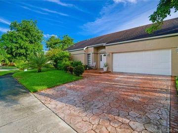 9051 Crescent Dr, Miramar, FL, 33025,