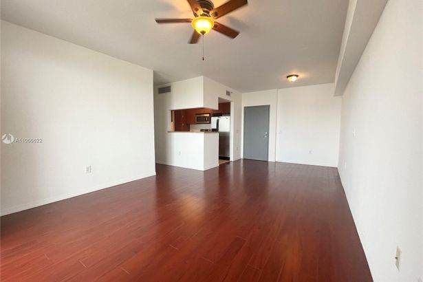 36 NW 6th Ave #1004