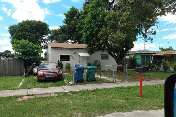 2467 NW 57th St