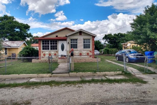 1321 NW 68th Ter