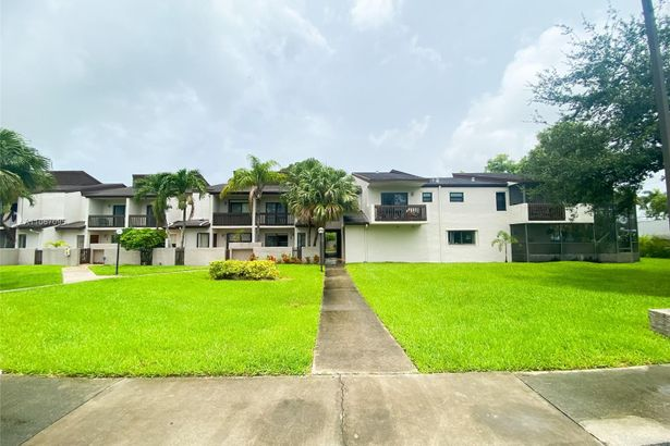 10190 NW 41st St #104-9