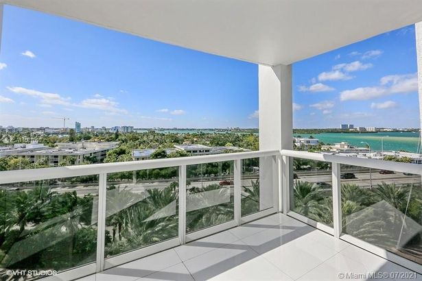 10275 Collins Ave #730