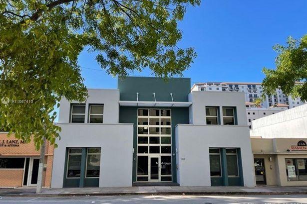 359 Alcazar Ave