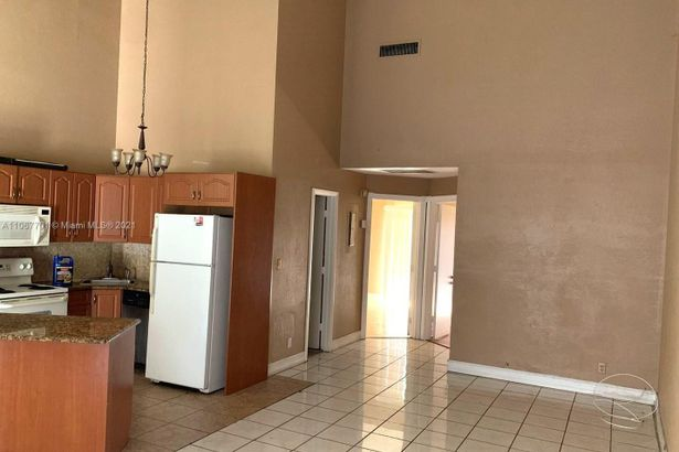2442 NW 55th Ter