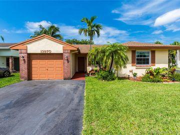 13970 Oaklawn Pl, Davie, FL, 33325,
