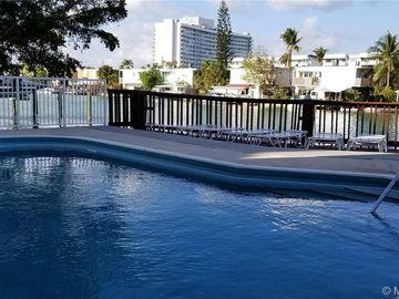 7133 Bay Dr #303, Miami Beach, FL, 33141,