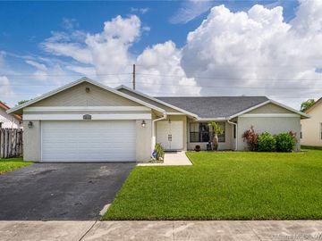 9815 NW 43rd St, Sunrise, FL, 33351,