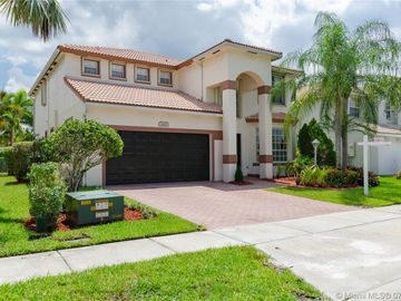 1645 NW 143rd Ter, Pembroke Pines, FL, 33028,