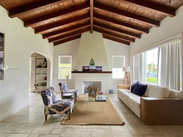 8935 Carlyle Ave, Surfside, FL, 33154,