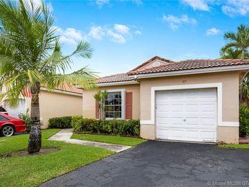 915 SW 180th Ter #915, Pembroke Pines, FL, 33029,