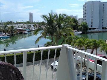 7133 Bay Dr #305, Miami Beach, FL, 33141,