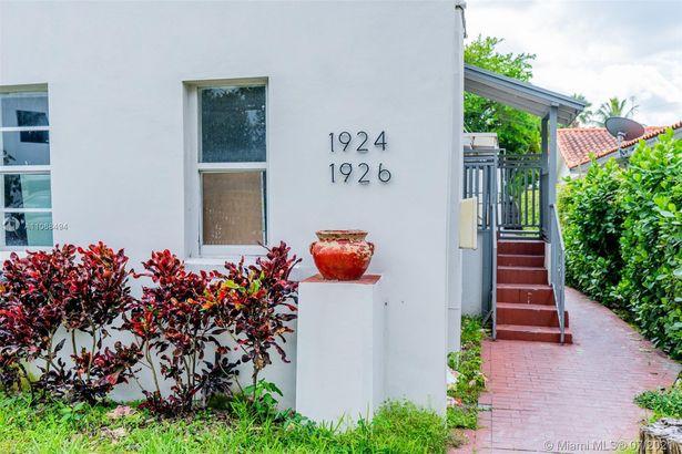 1924 SW 9th St