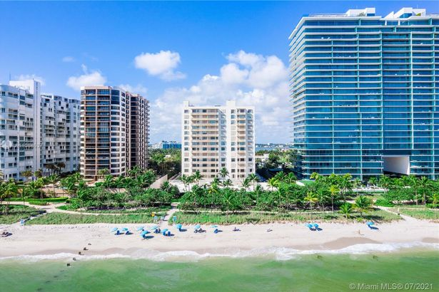 10185 Collins Ave #1022