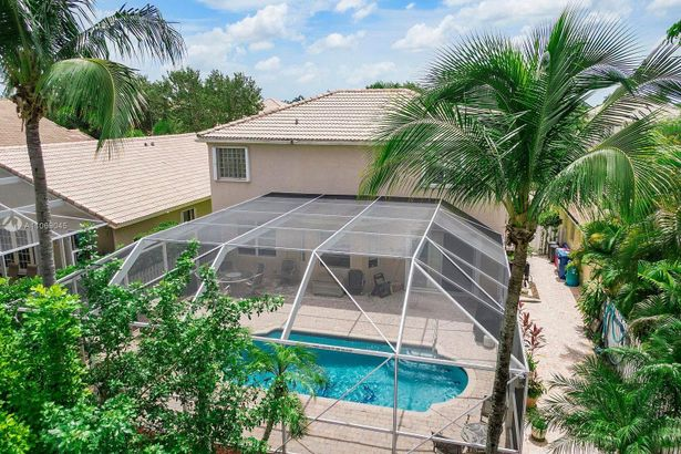 5248 NW 112th Ter