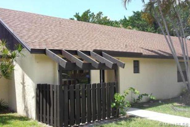 102 Via De Casas Norte #102
