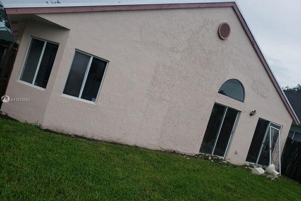 1313 E Glen Oak Rd