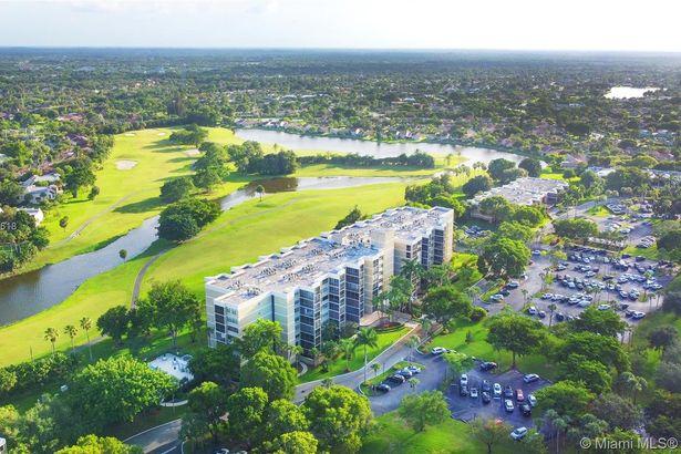 16300 Golf Club Rd #711