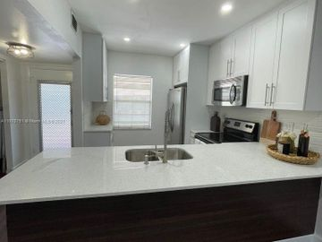7605 NW 4th Pl #202, Margate, FL, 33063,