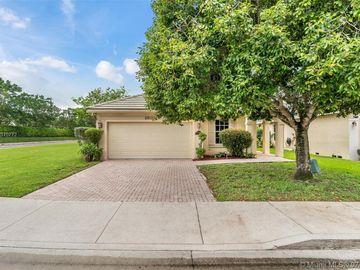 8800 N Lake Park Cir N, Davie, FL, 33328,