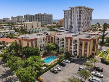 400 N Riverside Dr #214, Pompano Beach, FL, 33062,