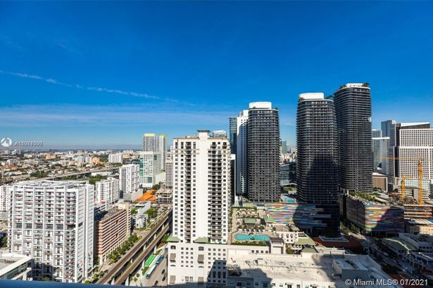 1111 SW 1st Ave #3721