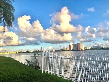 1000 NE 191st St #36, Miami, FL, 33179,
