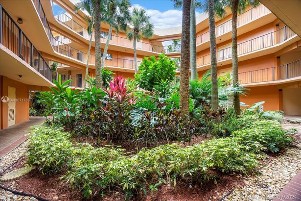 8520 SW 133rd Ave Rd #214