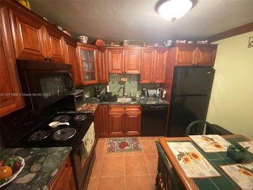 2301 Collins Ave #525, Miami Beach, FL, 33139,