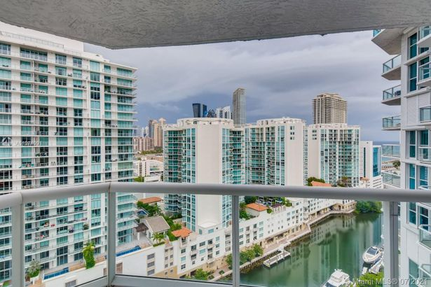 16500 Collins Ave #1956
