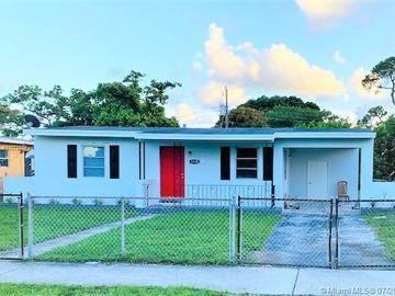 1135 Chateau Park Dr, Fort Lauderdale, FL, 33311,