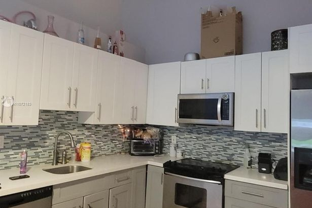 2424 NW 55th Ter #2424